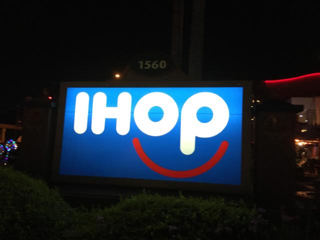【アメリカ】カリフォルニアディズニーでIHOP食べてきた【アナハイム】