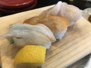 大分の回転寿司チェーン「水天」で超美味しい寿司たらふく食べてきた!