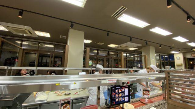 沖縄北谷 グルメ回転寿司市場